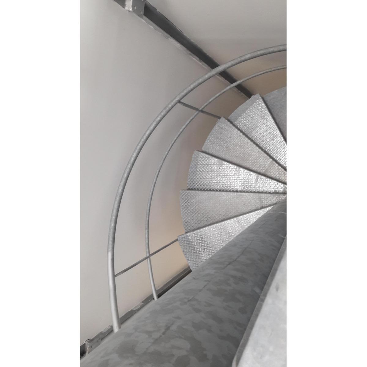 Escalier hélicoïdal réalisé en acier galvanisé