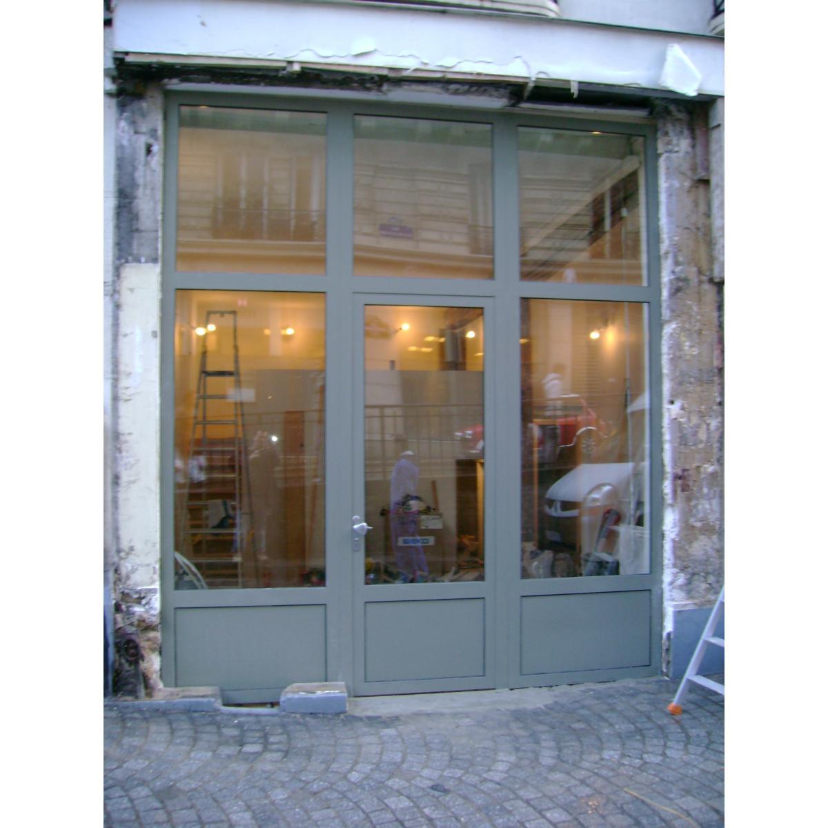 Porte vitrée pour l'entrée d'une boutique<br>