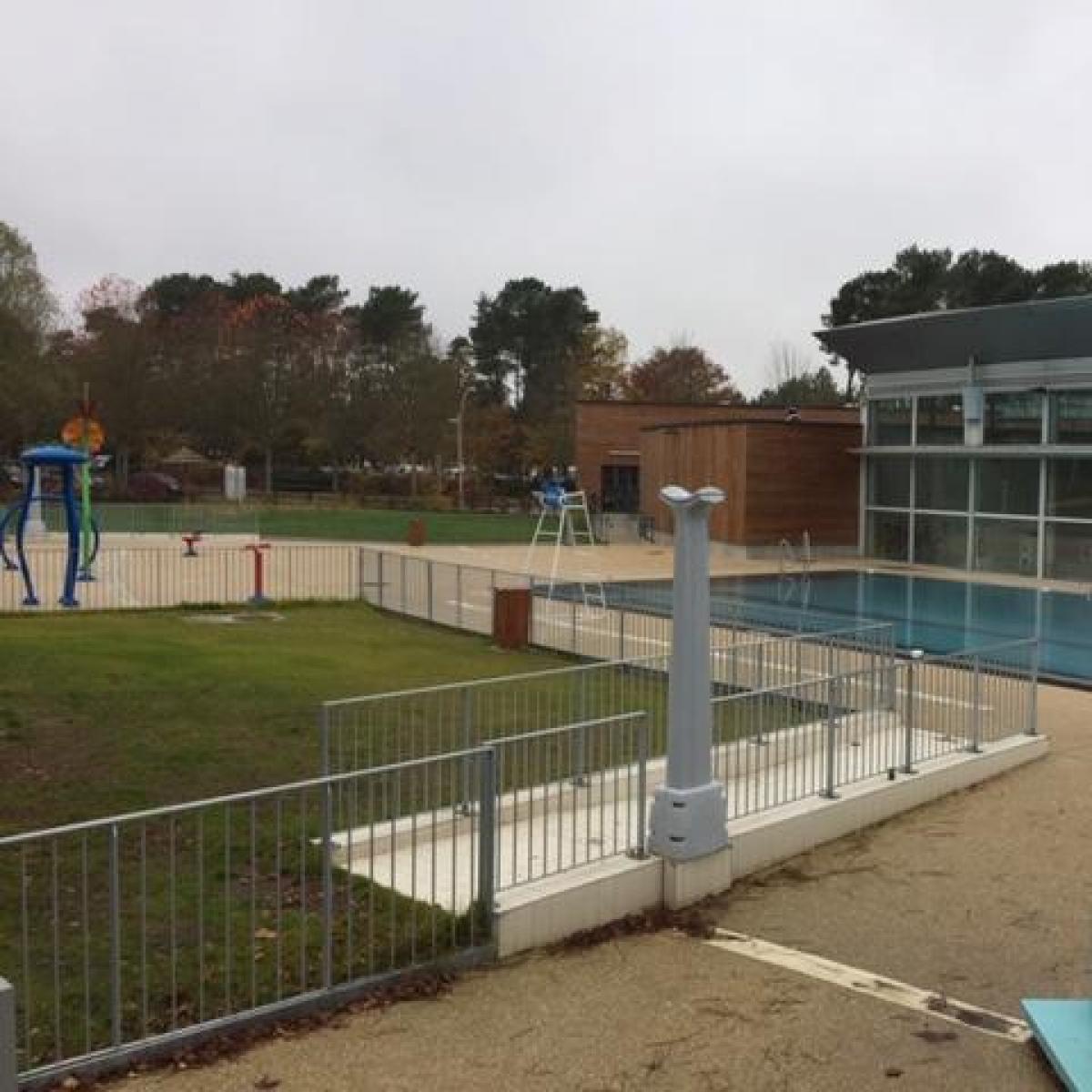 Garde-corps pour la piscine Sitellia de Montfort-le-Gesnois