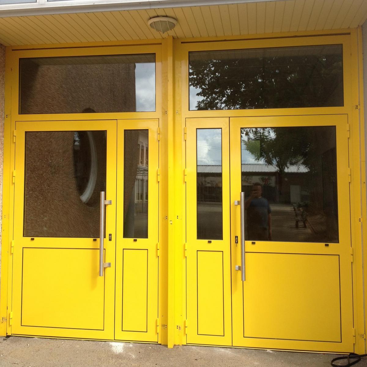 Portes d'entrée du Collège de la Suze-sur-Sarthe<br>
