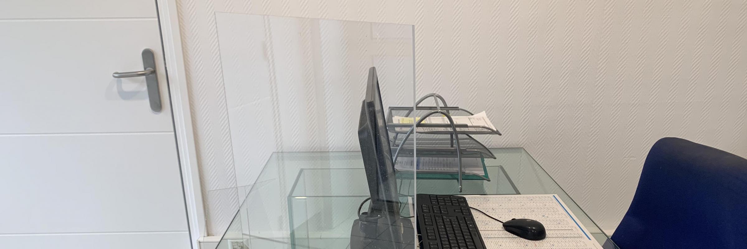Fabrication d'Ecran de protection en plexiglass - Protégez-vous et protégez vos clients ! -