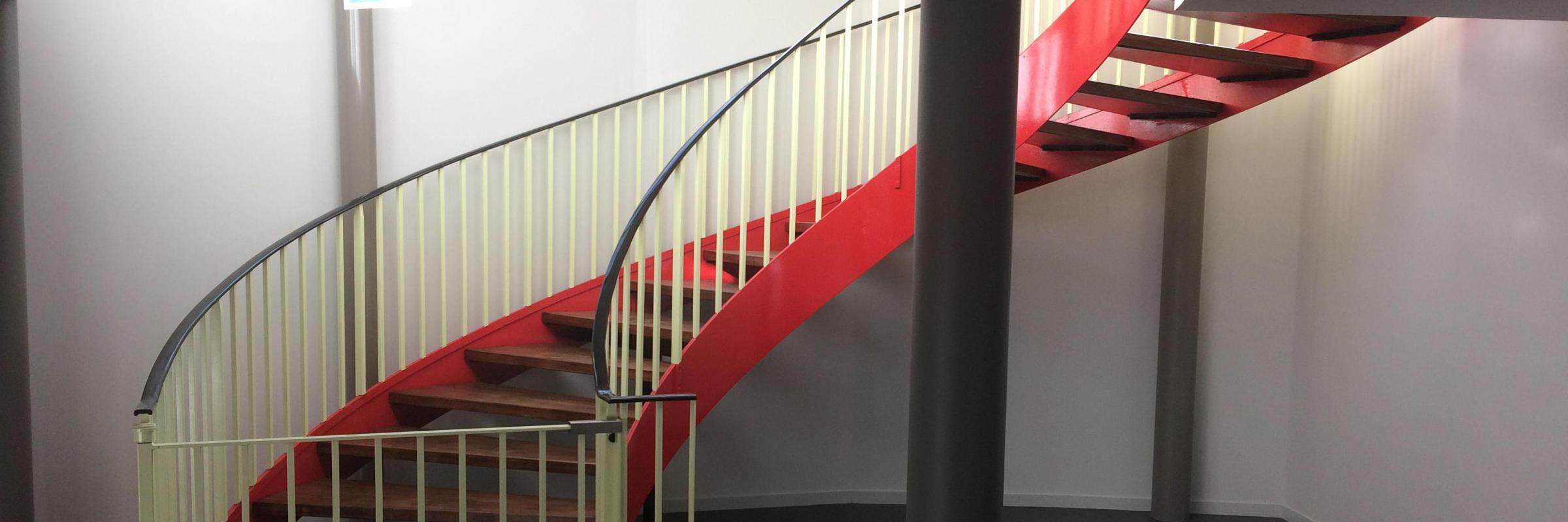 Création d'escaliers sur mesure - Toutes formes et toutes matières