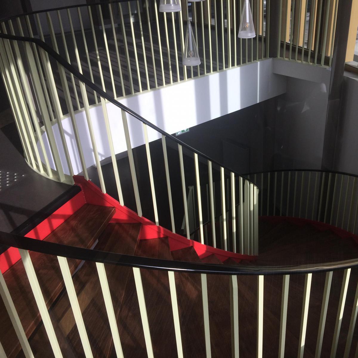 Escalier hélicoïdal acier et bois